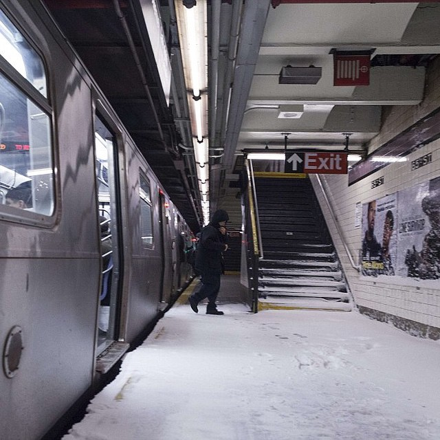 blizzard 2015 update  we u0026 39 re opening up today  subways are