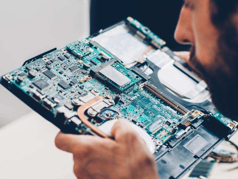 Repairing Your Gaming Laptop Vs. Buying A New One